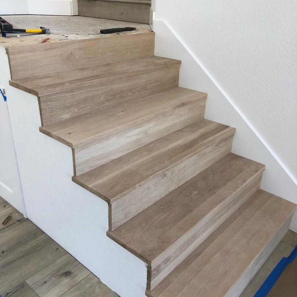stair case hardwood flooring installation